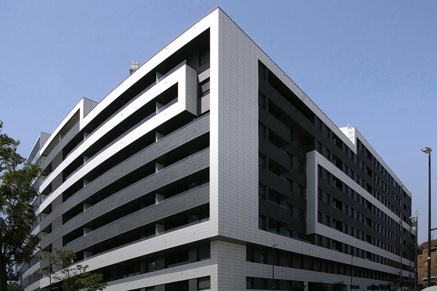 Edificio de Fachada ventilada Faveker, gres aragón